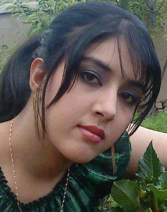 Mallu Aunties Photos: Cute Pakistani School Girls
