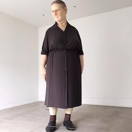 """Ron Mueck """"Standing Woman"""" Towada Art Center 十和田現代美術館 ロン・ミュエク スタンディング・ウーマン"""