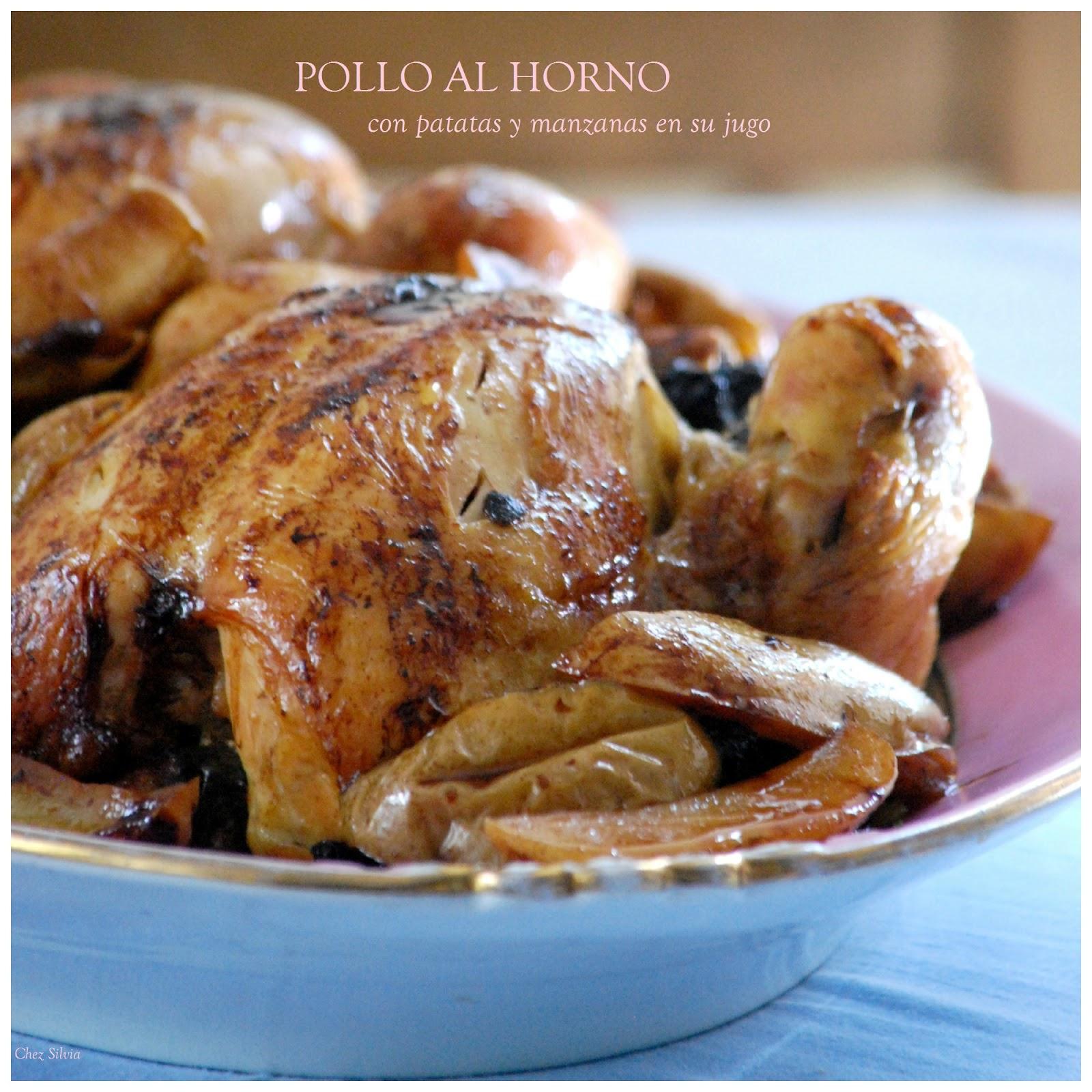 Pollo al horno con patatas y manzanas en su jugo. / Chez Silvia