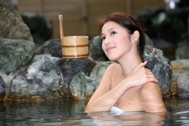 Akemi Katsuki beautiful and sexy photos