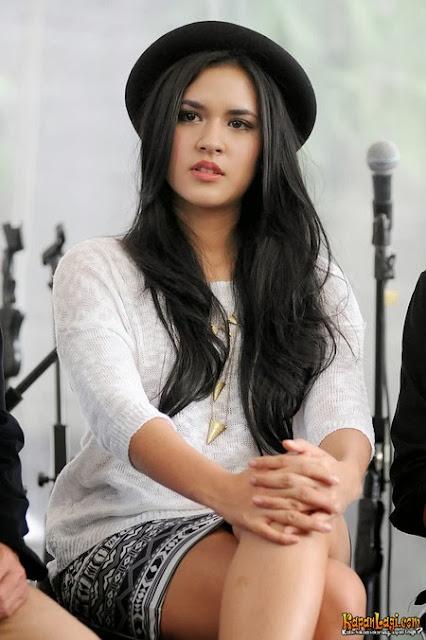 Koleksi Foto Cantik dan Seksi Penyanyi Raisa Andriana Terbaru FotoRaisaTerbaru 2