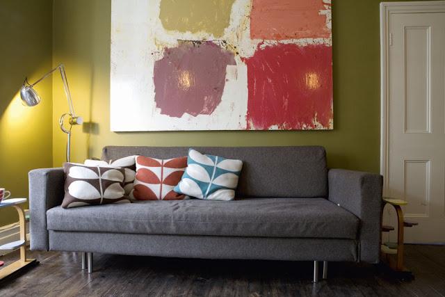 Kissen im berühmten Orla Kiely Blattmuster - polstern Sie mit Farbe und Muster Ihre Einrichtung auf