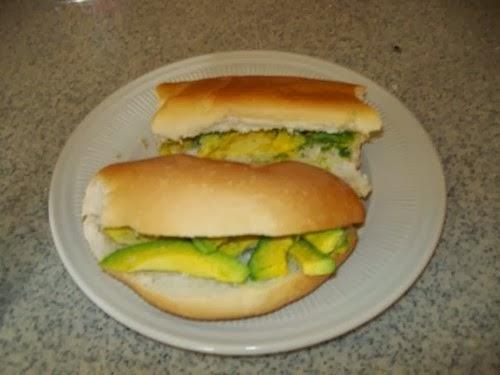 10 comidas rápidas que transformaron la RD, (el pan con aguacate) está dentro de los favoritos