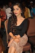 Aparna Bajpai sizzling photo shoot-thumbnail-15