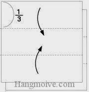 Bước 1: Gấp hai cạnh của hai tờ giấy vào trong.