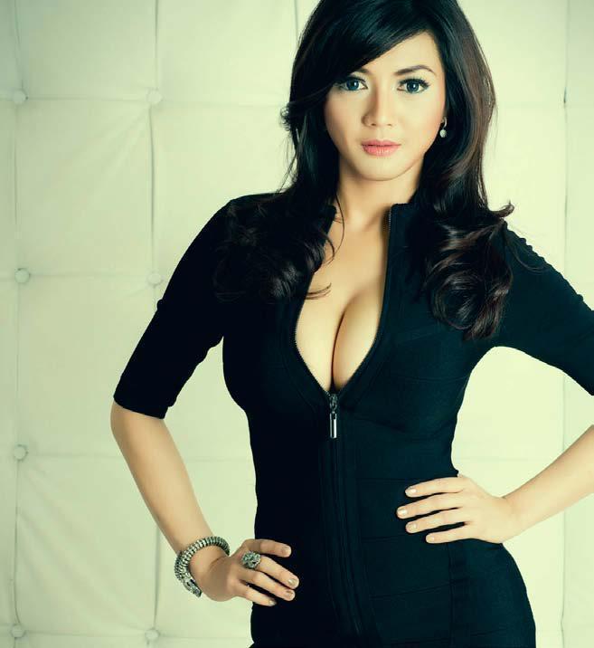 Foto Seksi Wiwid Gunawan 2013