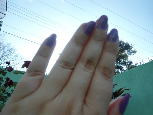 esmaltes lilás para um dia de verão