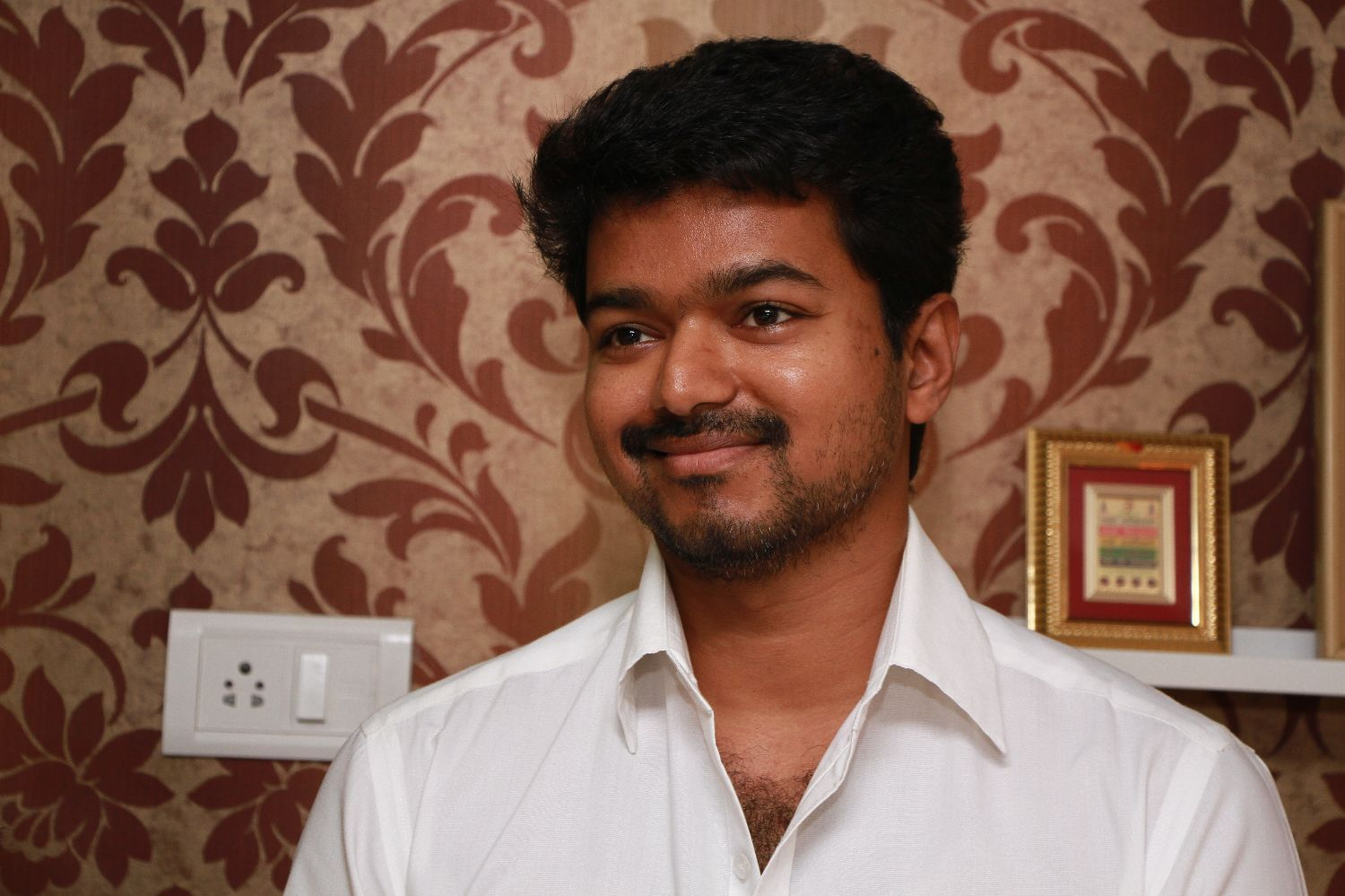 Actor Vijay's latest film sparks controversy - YouTube
