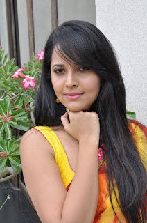 Anchor Anasuya sizzling saree stills 002.jpg