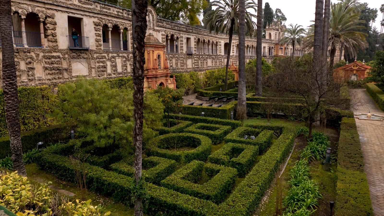 A Backpacker\'s Life: Alcázar of Seville