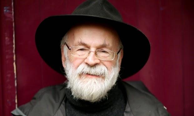 Terry Pratchett (1948-2015): mais que um escritor de fantasia, um dos mais sábios autores dessa geração.