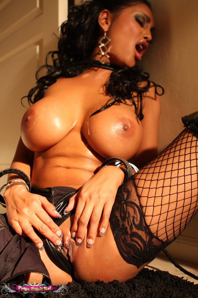 priya rai hot porn photo