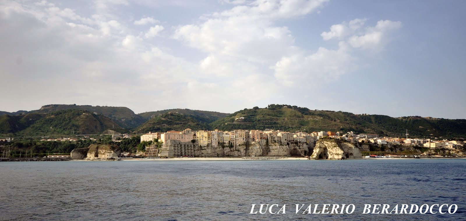 TROPEA -  Vista dal Mare  -  Clicca la Foto  -  Click on the Photo