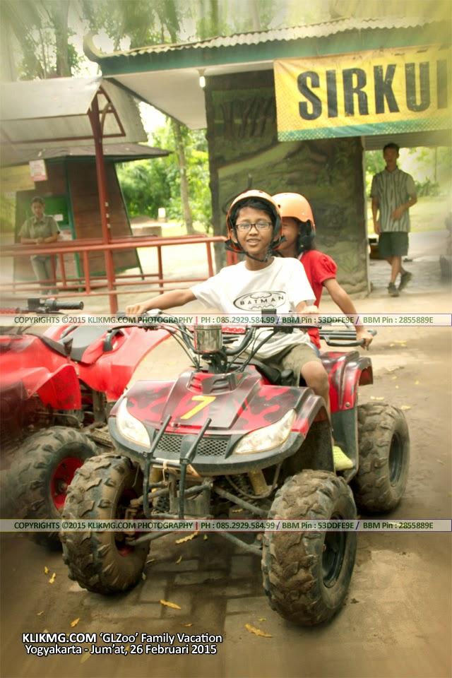 Bermain ATV di Gembiraloka Zoo - 26 Feb 2015 Lalu - Fotografi Wisata Klikmg.com