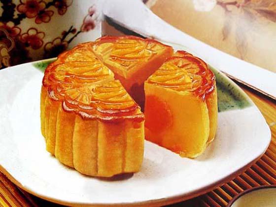 Hà Nội kiểm tra bánh trung thu: Phát hiện bánh và bột hết hạn từ... 2010