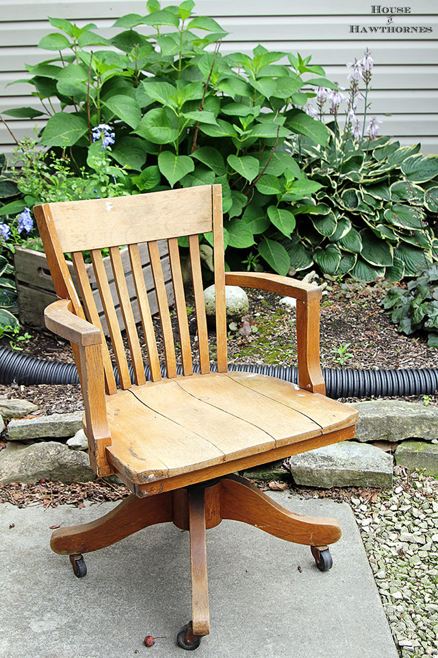 Vintage oak banker's chair along with other vintage yard sale finds at houseofhawthornes.com
