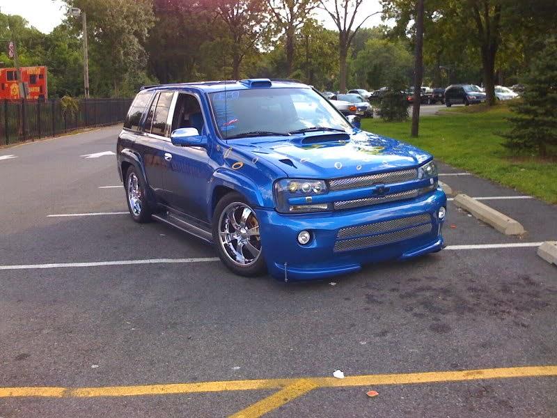 Modifikasi Mobil Chevrolet Trailblazer Biru