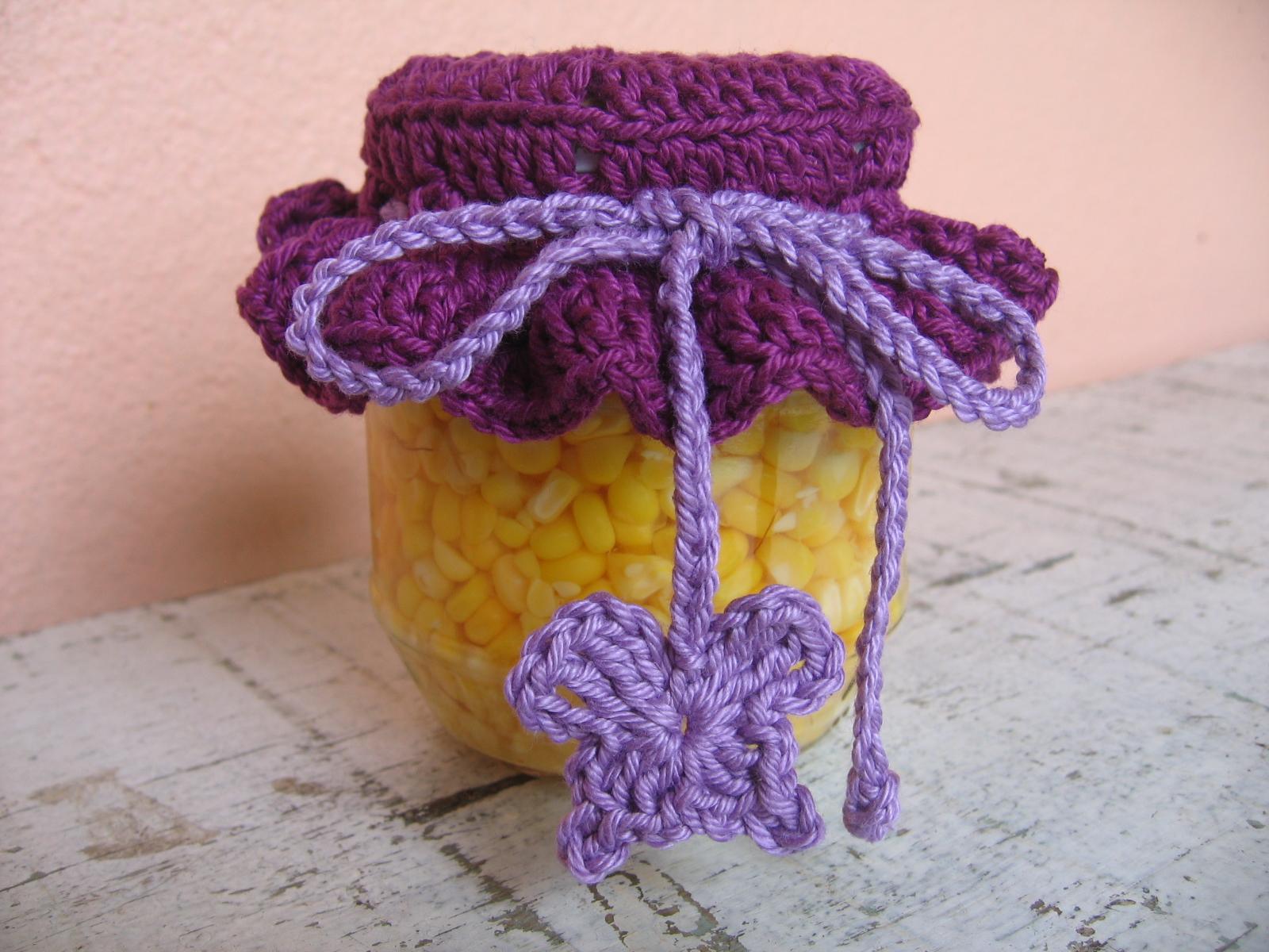 então você pode utilizar a mesma tampa de crochê para os dois potes