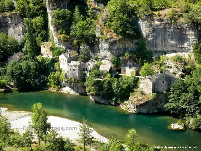 GORGES DU TARN - CANYON IN TARN RIVER, FRANCE