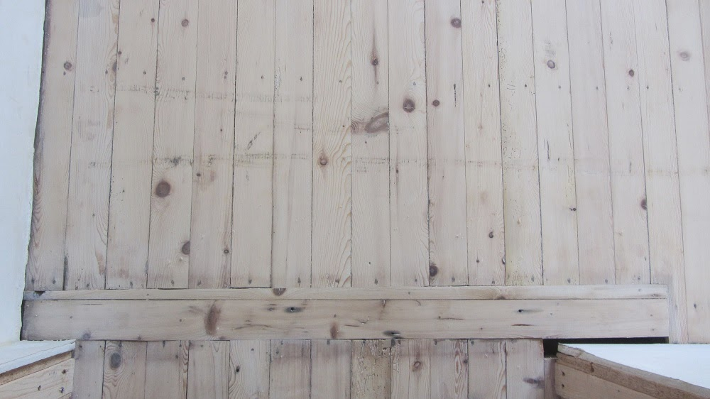Opschuren en behandelen van oude houten vloer bouwinfo