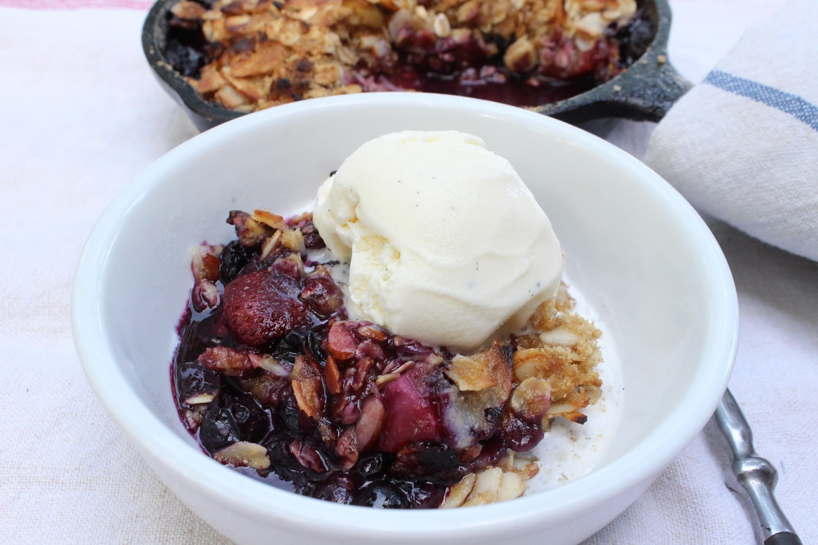Grilled Strawberry Blueberry Coconut Crisp | CrunchyGooey
