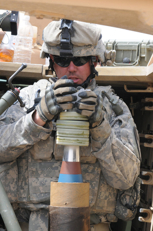 U S Army 120mm Mortar : Us army soldiers firing mm mortar round global