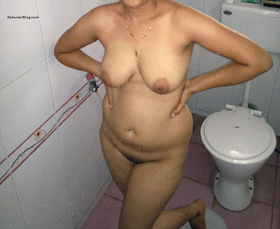 sexy indian woman potty