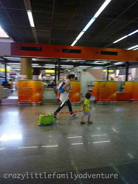 trunki, toddler, airport, bangkok