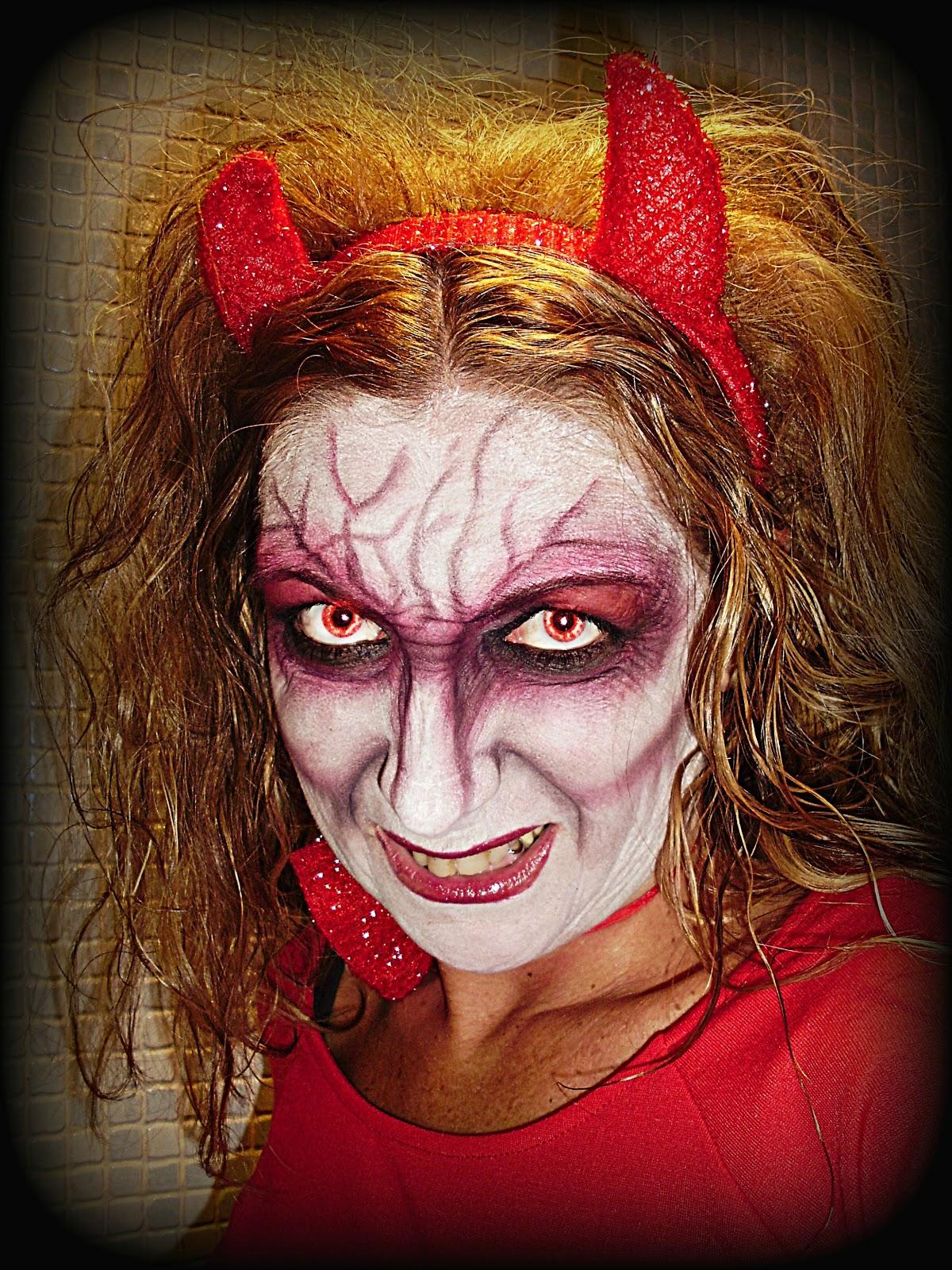 maquillaje de diabla en hallowen