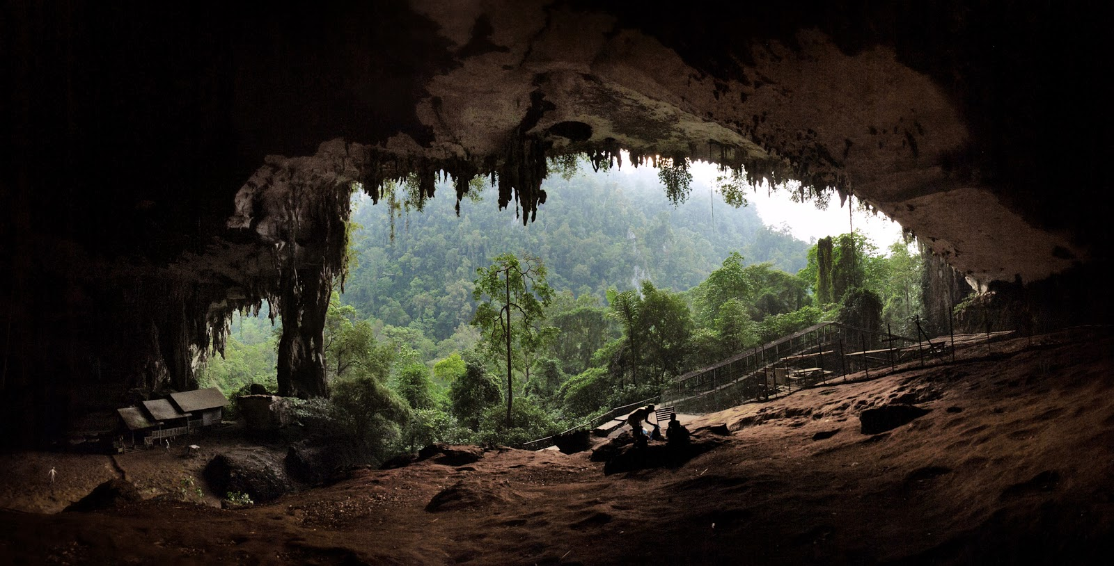 ... the sight seeing places that you can expect to see around Mulu Caves