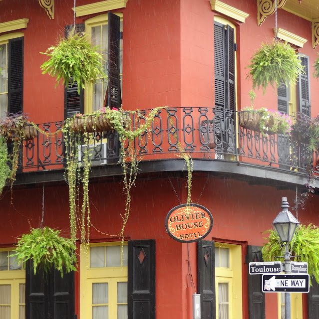New Orleans Guesthouses, Balconies