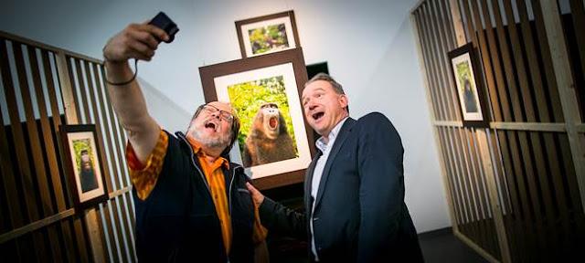 http://www.rp-online.de/panorama/ausland/selfies-mit-todesfolge-gefaehrlicher-trend-aid-1.5503314