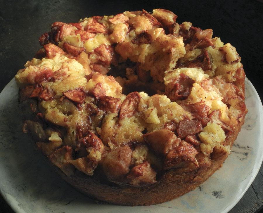 Studio and Garden: A Delicious Apple Cake