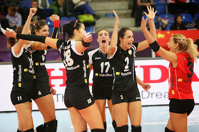 Volleyball Techniques For Beginner - Vakifbank Istanbul celebrate their 51th consecutive win by sweeping China's Guangdong Evergrande 3:0 in Saturday's first semi-final
