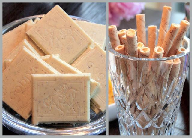 Godiva white chocolate vanilla bean squares and vanilla wafer cookies ...