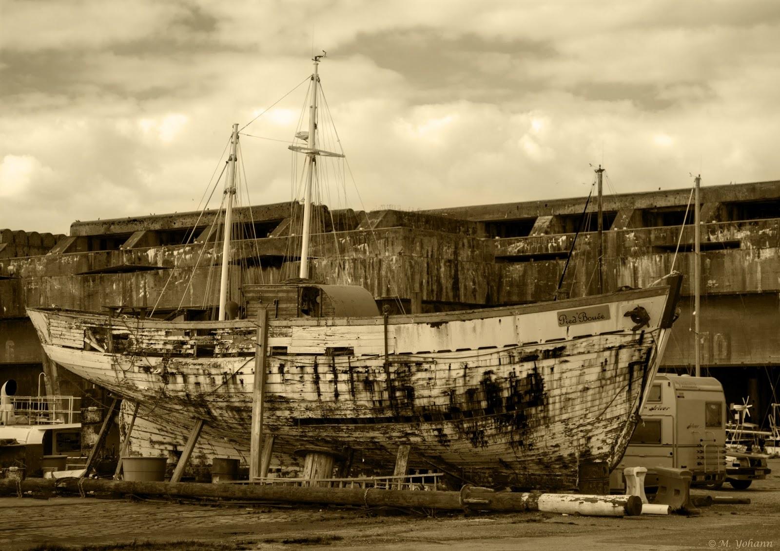 Yohann photos base sous marine de bordeaux - Architecture sous marine ...