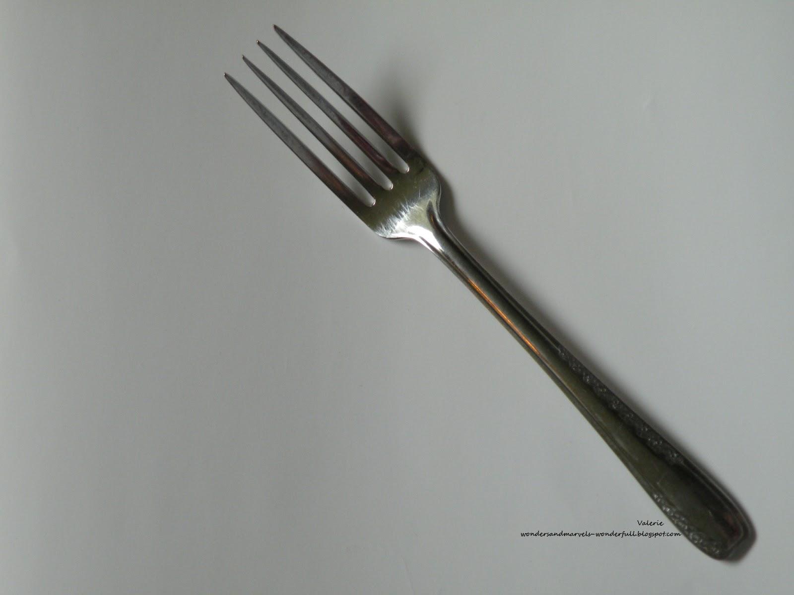 http://3.bp.blogspot.com/-s0PBqMXVh7Q/T6gD1RntDqI/AAAAAAAAArI/aIUiGvxLGU8/s1600/fork.jpg