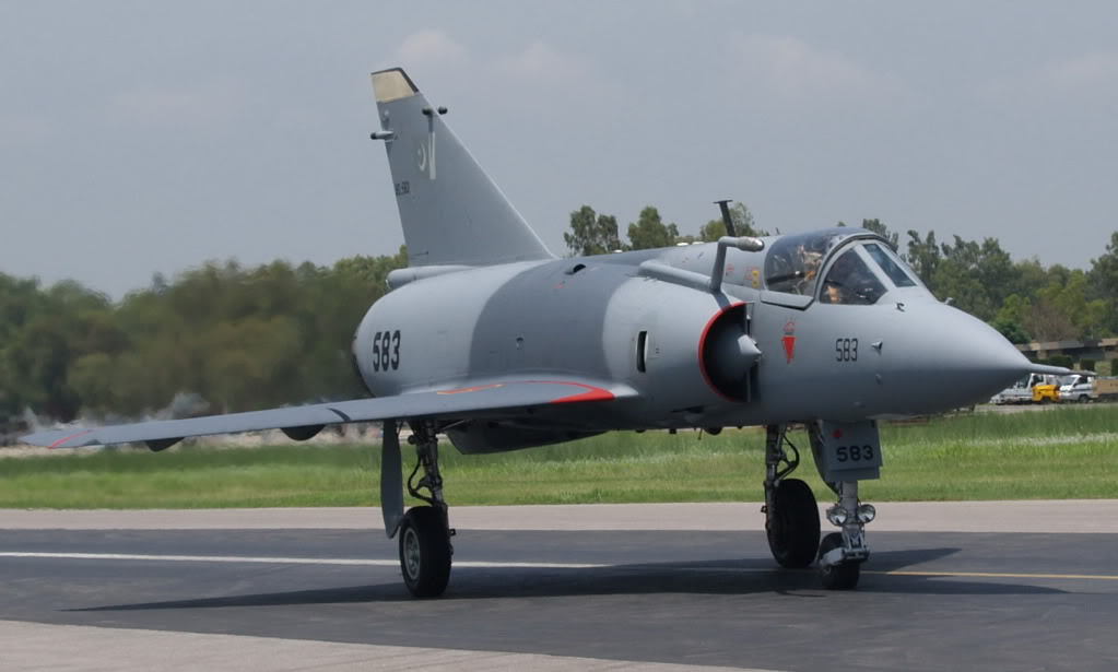 Three JF-17 Thunder aircrafts leave for France to participate in Paris Air Show
