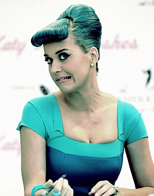 katy perry funny faces eueelasfashionistas