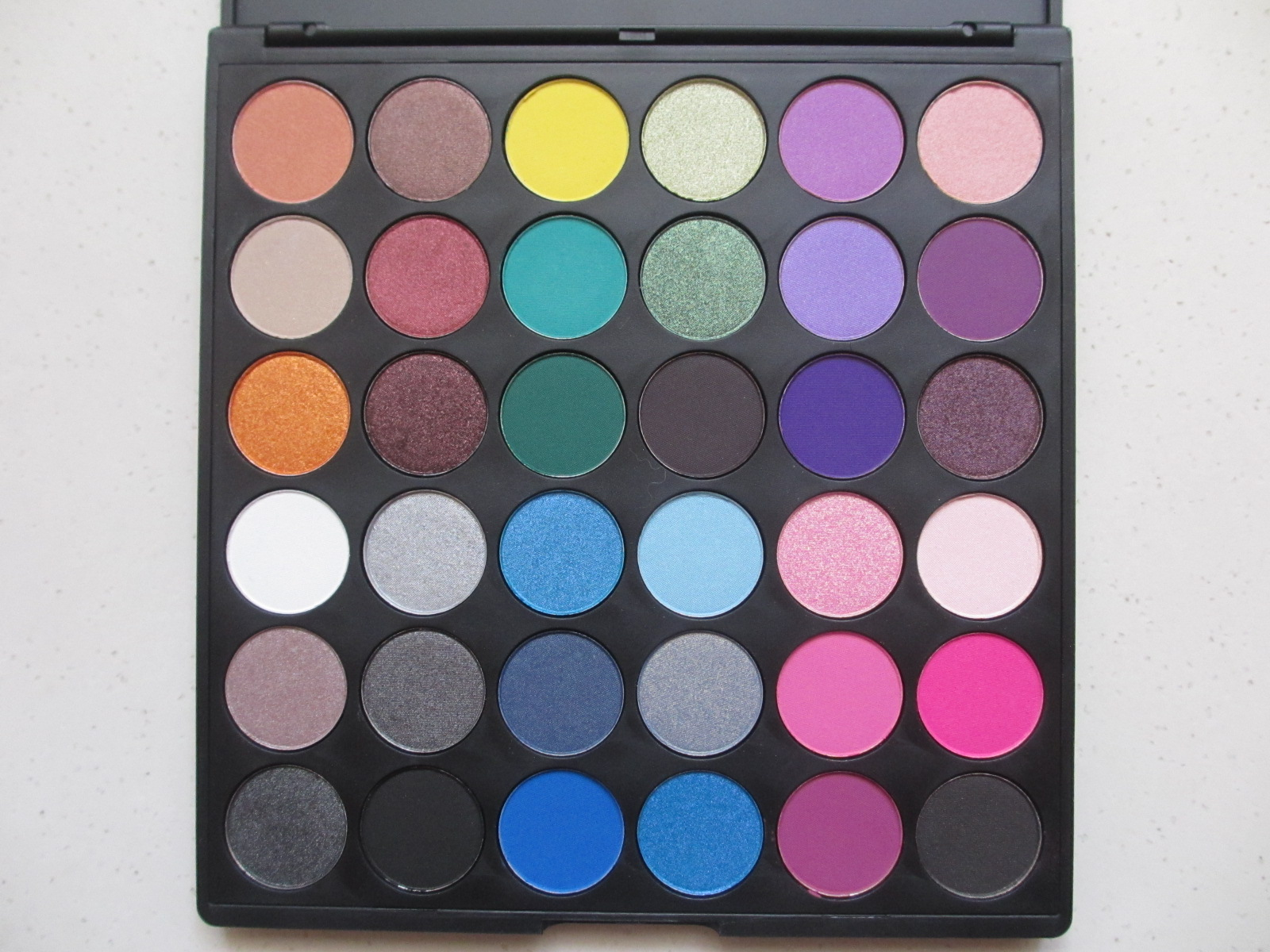 Juvia's Place Nubian 2nd Edition Palette Review. The New