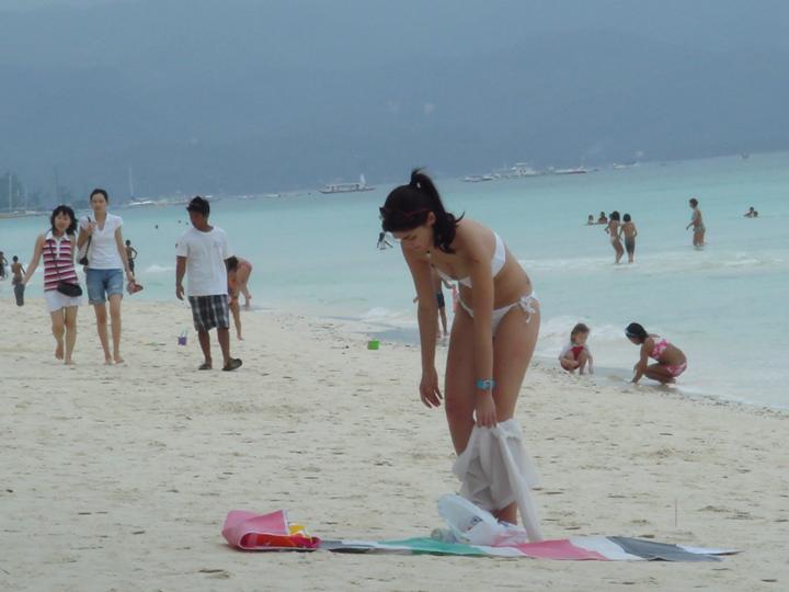 anne curtis stolen bikini shot in boracay 02