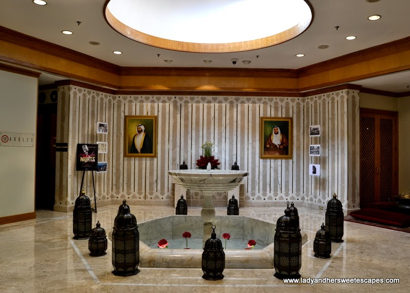 Radisson Blu Dubai main lobby
