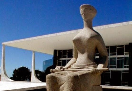 Ministros do STF aprovam aumento dos próprios salários para R$ 35,9 mil.