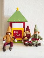 http://plentyofpaprika.blogspot.com/2015/12/diy-kindness-elves-and-elf-portal.html