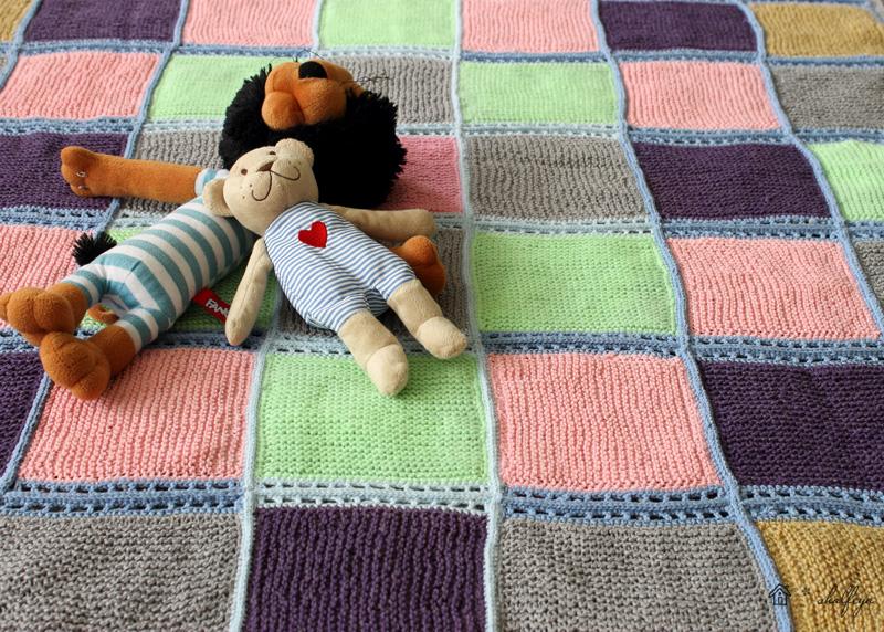 Что можно сделать из старого одеяла своими руками 25