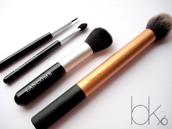 Featuring Lancome Mini Brush Set