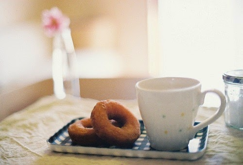 http://lifeandmarshmallow.tumblr.com/post/101775705231/cuprikorn-doughnut-by-kero-on-flickr