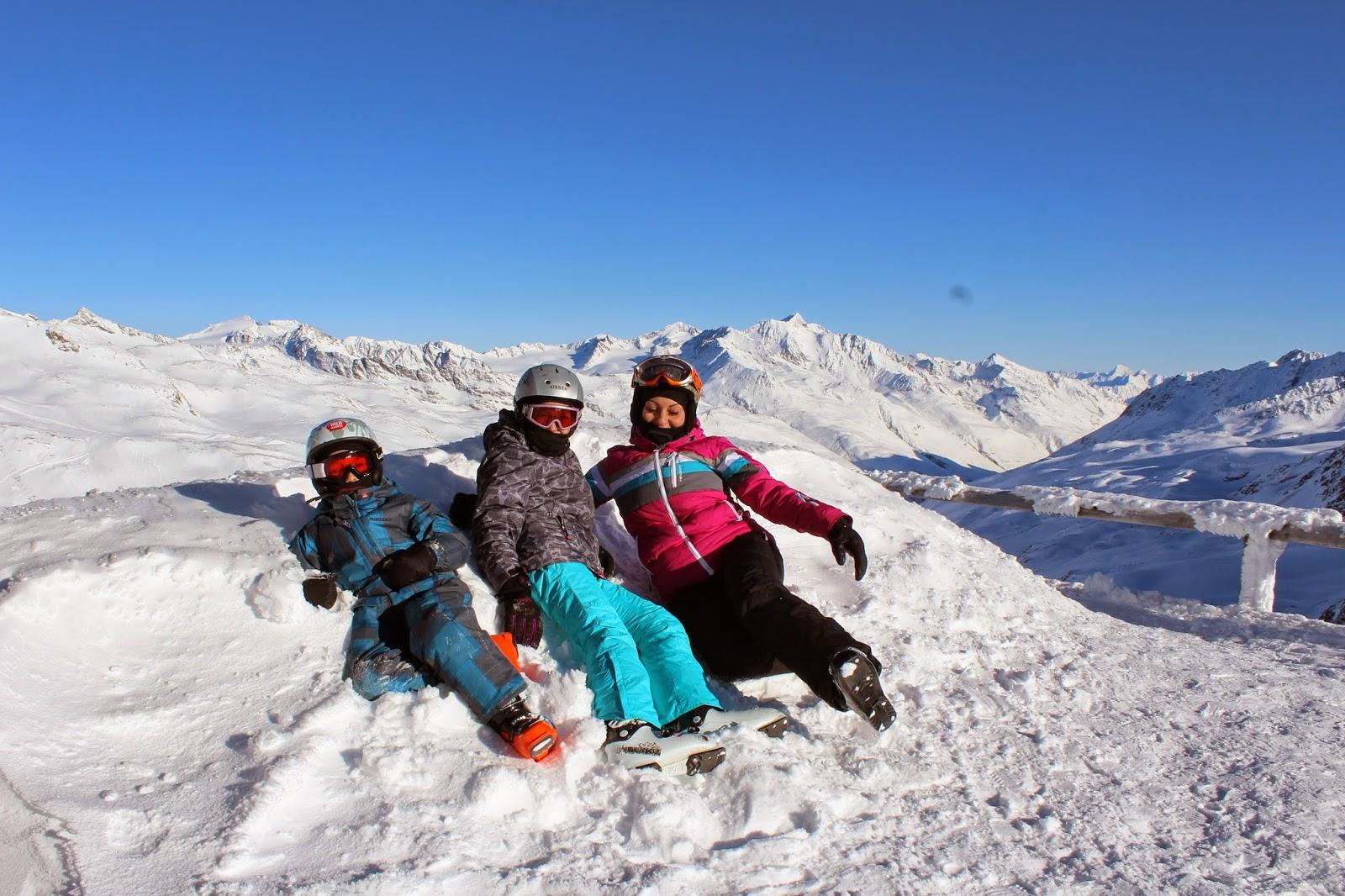 happy fun italy blogger, śnieg, snow grawand, lodowiec narty