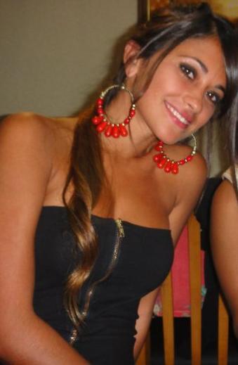 Antonella Roccuzzo la hermosa novia de Messi