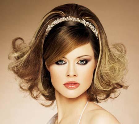булчинска ретро прическа за средно дълга коса